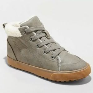 NWT Sherpa Lined Lace-up Sneakers Side Zip Grey